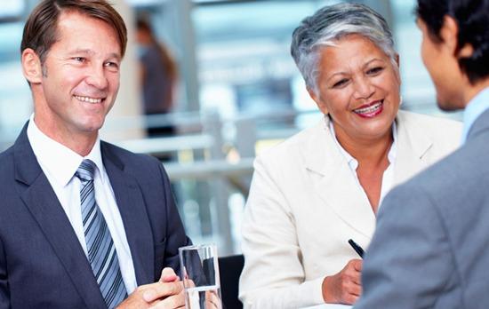 Personalmanagement, auch Personalpolitik genannt, dient Unternehmen als Beratung und Strategie in Fragen zu Personal